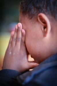 """""""E qualquer que receber em meu nome um menino, tal como este, a mim me recebe."""" (Mat 18:5)"""